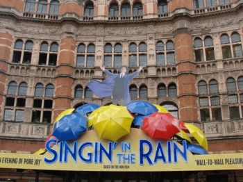 Singin in the Rain at West End Palace Theatre. Image Credit: Kathleen Horgan