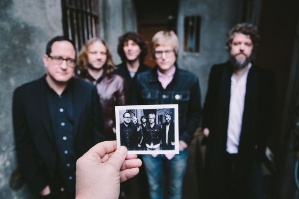 theholdsteady