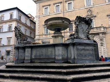 fontana fountain santa maria trastevere rome italy