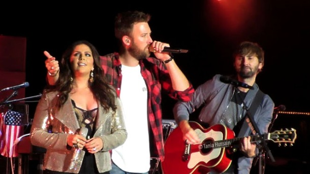 Concert review lady antebellum owns the night on their you look concert review lady antebellum owns the night on their you look good world tour m4hsunfo