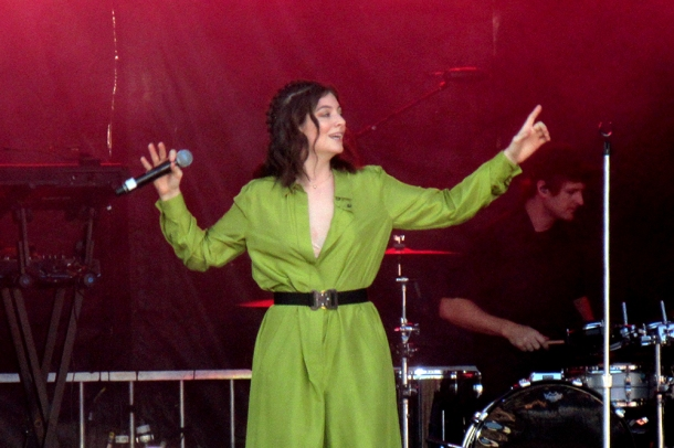 lorde iheartradio beach ball vancouver